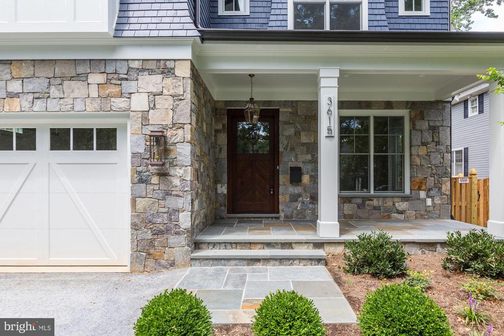 3615 Thornapple St, Chevy Chase, MD 20815