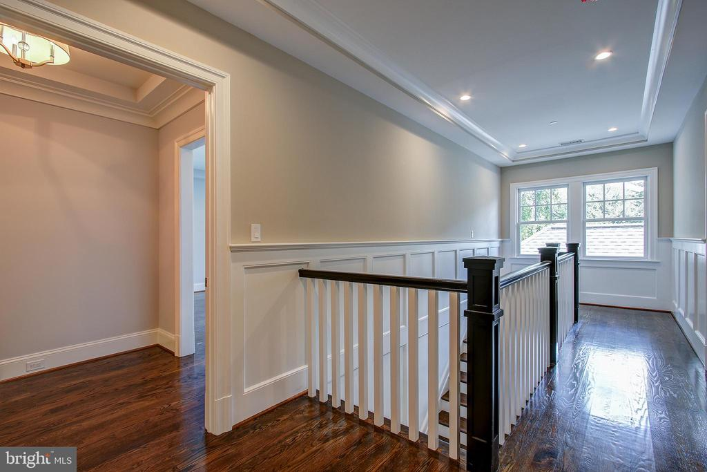 3901 Blackthorn St, Chevy Chase, MD 20815