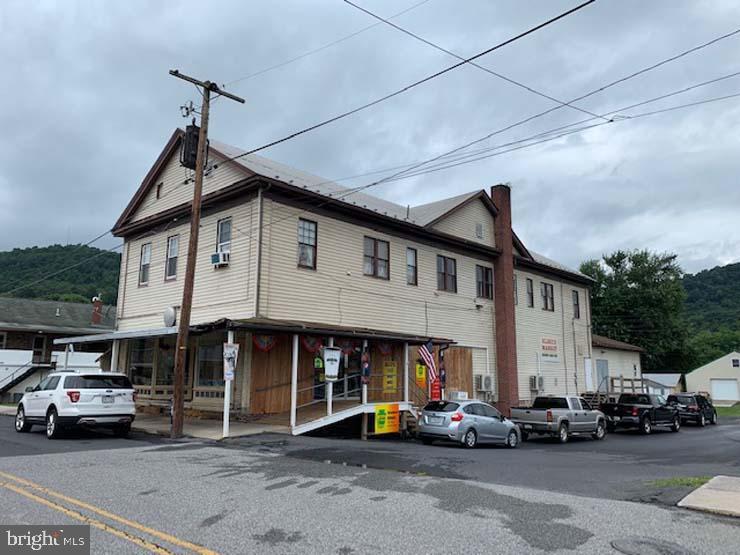 5 E JOHN STREET, MCVEYTOWN, PA 17051