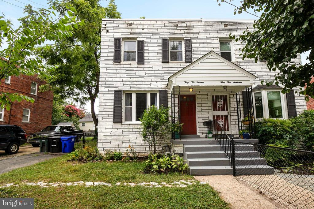 One of Arlington 3 Bedroom Homes for Sale at 3219  13TH ROAD S