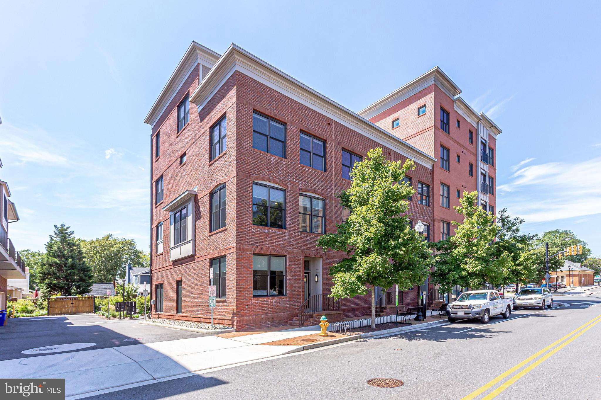 2810 11TH STREET S T001, ARLINGTON, VA 22204