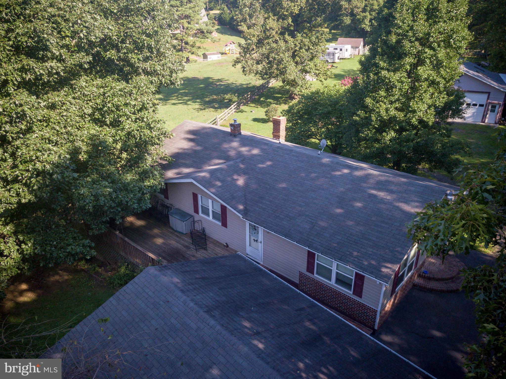 21 WHITE OAK HILL LANE, CASTLETON, VA 22716