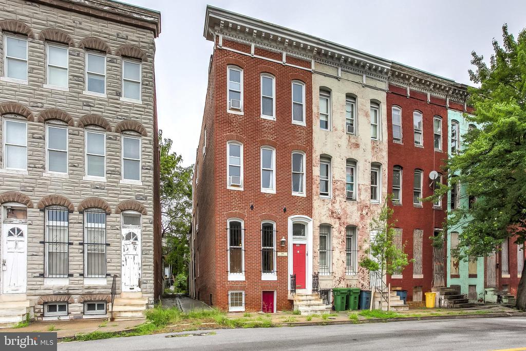 ****INVESTOR ALERT**** A meticulously restored six bedroom Airbnb local favorite with documented 40,000+ in annual income. A favorite among the visiting students, fellows and internships to the local, professional schools of U. of Maryland. Owner will guide you through his proven formula for easy continuity. Over 2,400 square feet with the potential to finish the lower level for even more income. All furniture & equipment convey.