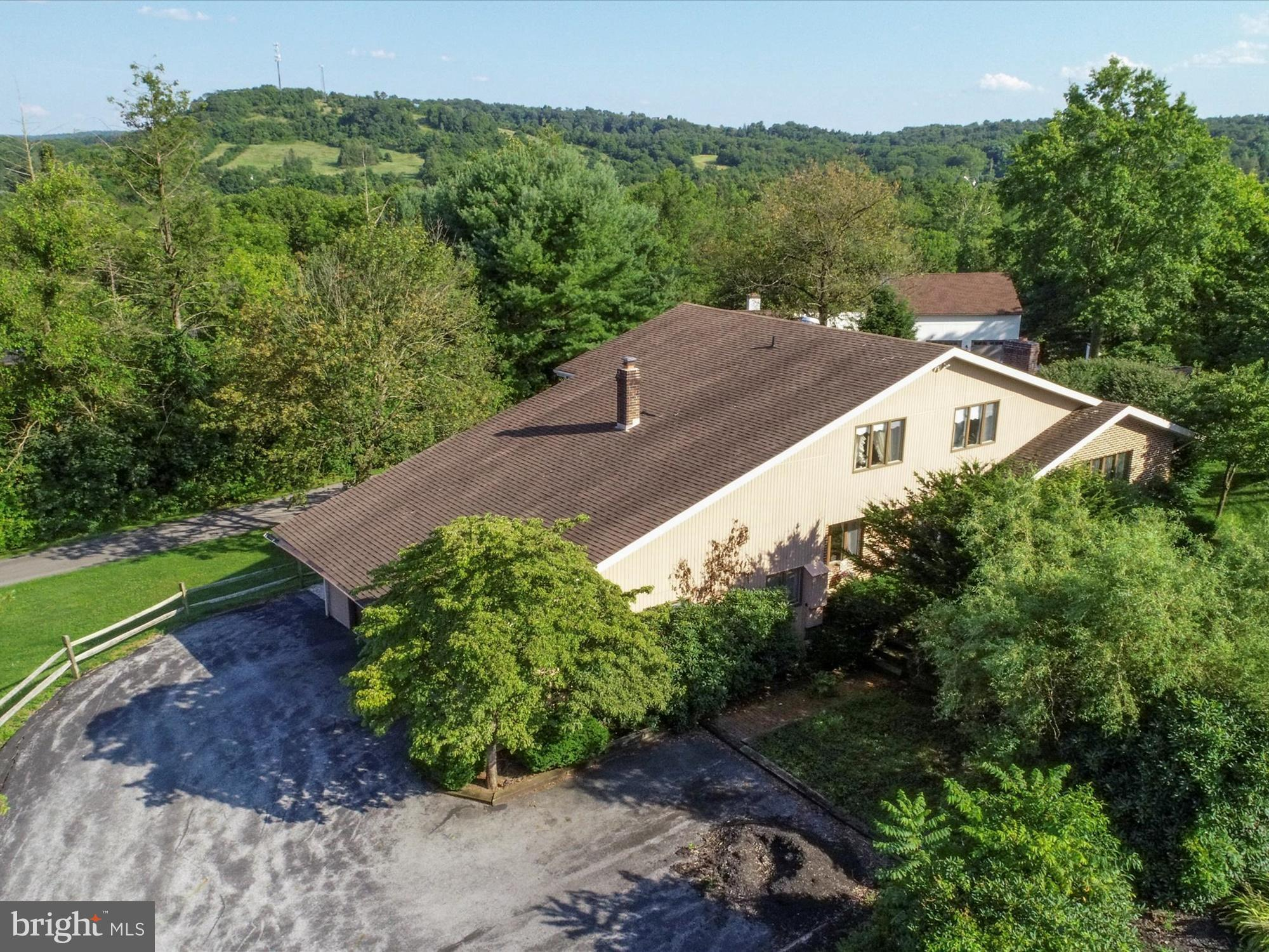 107 CLUBHOUSE DRIVE, BERNVILLE, PA 19506