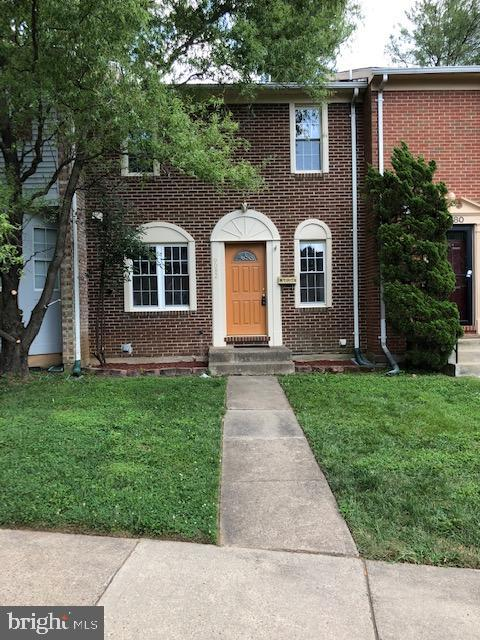 Very Well Maintained Brick Front Town-home in a peacefully quiet neighborhood.***  Near Huntsman Lake and convenient to Metro bus*** Large rec room with a fireplace.*** Large eat in kitchen*** Granite counter top***No carpet on main level