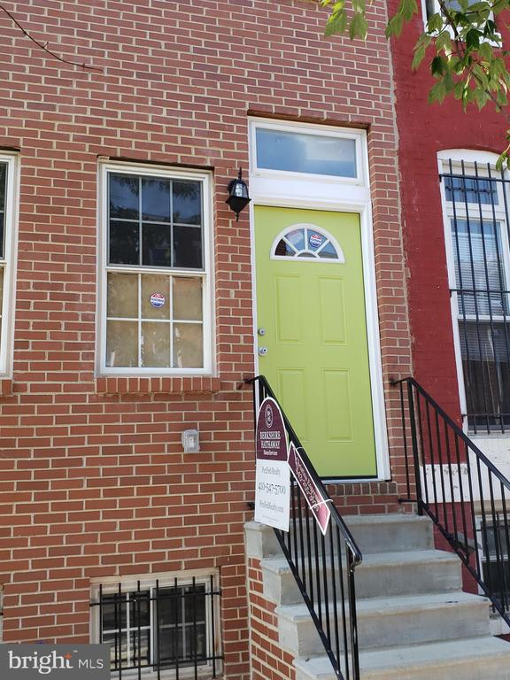 THIS TASTEFULLY REHABBED HOME BOASTS GRANITE COUNTERS, WOOD FLOORS, LAUNDRY ROOM IN BASEMENT, SPACIOUS BEDROOMS. THE BACKYARD COULD BE OFF STREET PARKING.  IT IS LOCATED NEAR THE UNIVERSITY OF MD SCHOOLS AND HOSPITAL, M&T & ORIOLE PARK STADIUMS, INNER HARBOR 95 AND OTHER MAJOR HIGHWAYS. AVAILABLE FOR UNIV. OF MD LIVE NEAR YOUR WORK PROGRAM & OTHER GRANTS