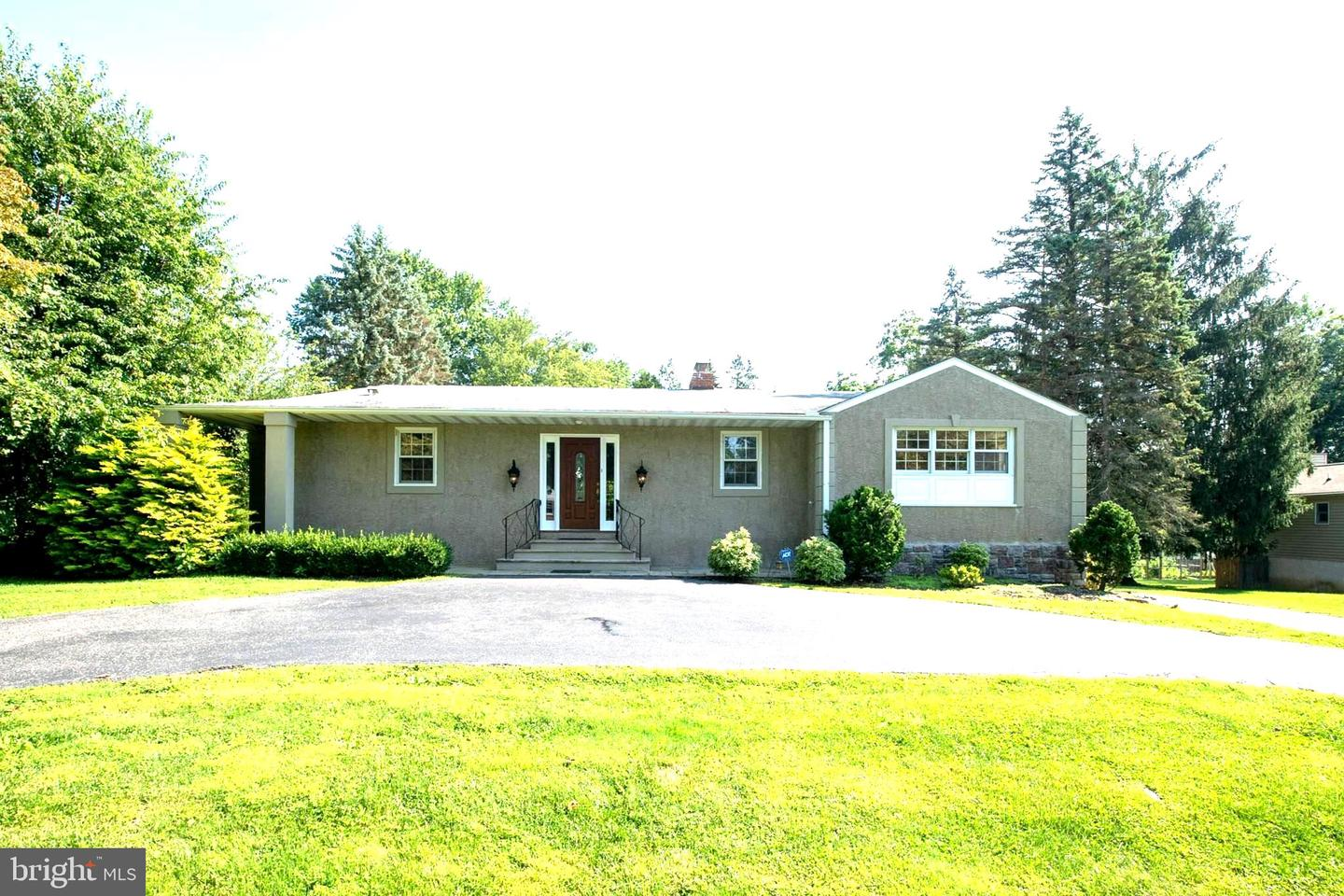 279 Overbrook Drive Newtown Square, PA 19073