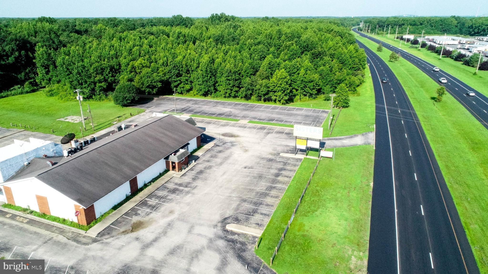 900 COURSES LANDING ROAD, PENNS GROVE, NJ 08069