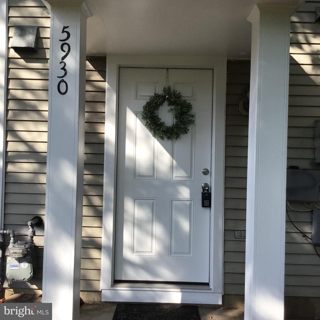 5930 Havener House Way, Centreville, VA 20120