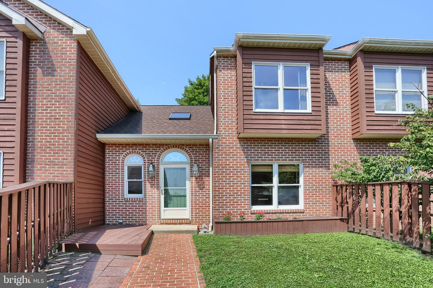 340 Peppercorn Sq Enola, PA 17025