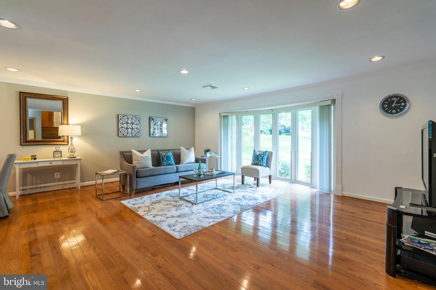 184 Mansion Drive Newtown Square , PA 19073