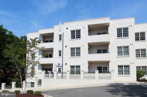Property for sale at 229 Thomas St #301, Arlington,  Virginia 22203