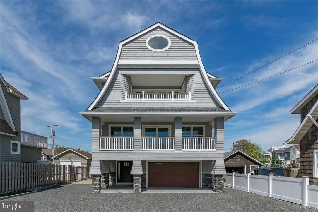 136 MAIN AVENUE, BAY HEAD, NJ 08742