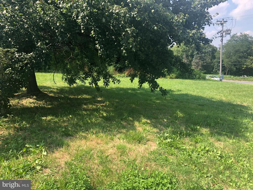 Conveniently located lot. Lots of possibilities.