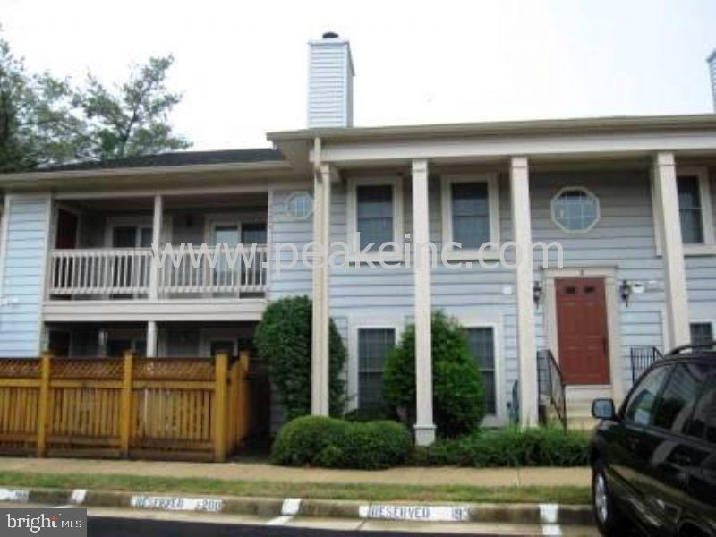 6057-B Essex House Sq, Alexandria, VA 22310
