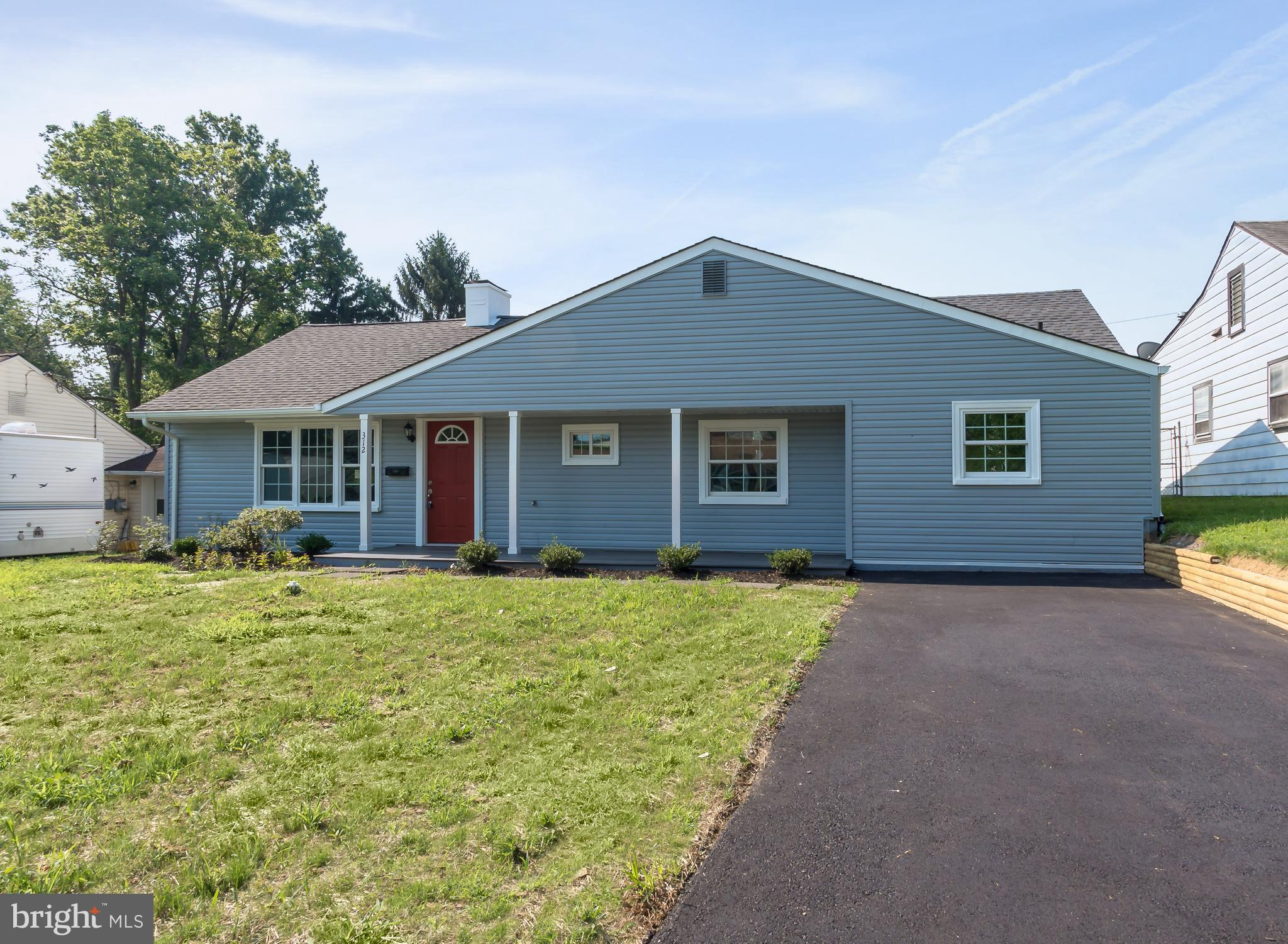 312 BERKSHIRE ROAD, FAIRLESS HILLS, PA 19030