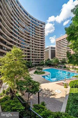 Photo of 1200 Crystal Dr #411