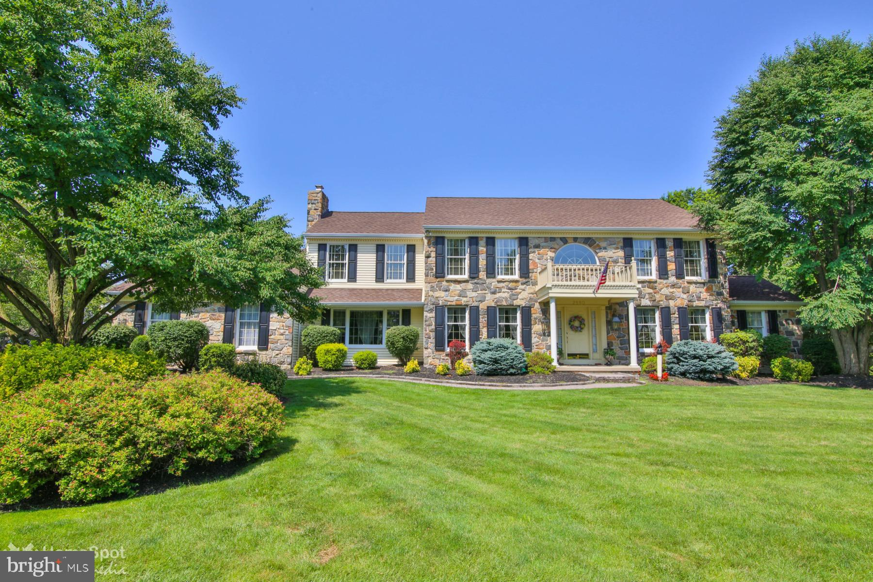 2590 RIVER ROCK DRIVE, MACUNGIE, PA 18062