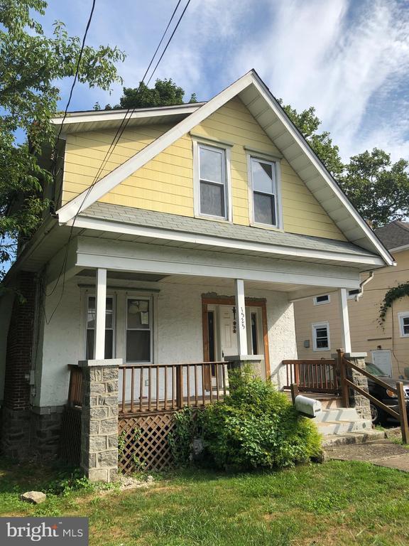1525 Elmwood Avenue, Folcroft, PA 19032
