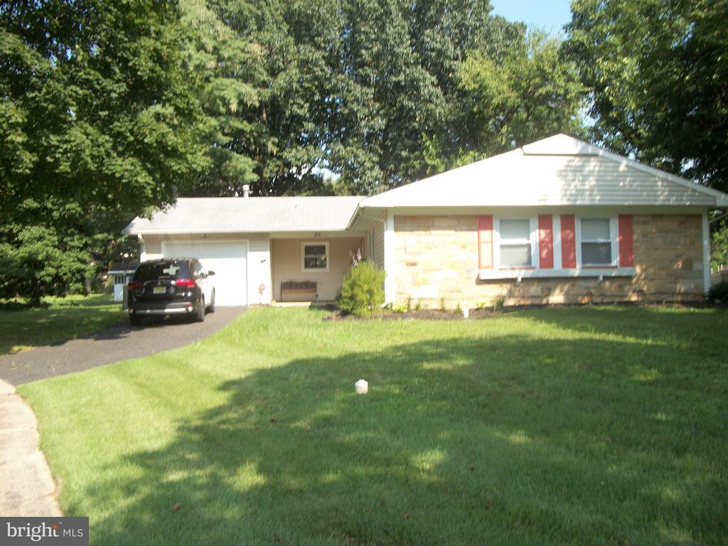 23 FOREST VIEW PLACE, WILLINGBORO, NJ 08046