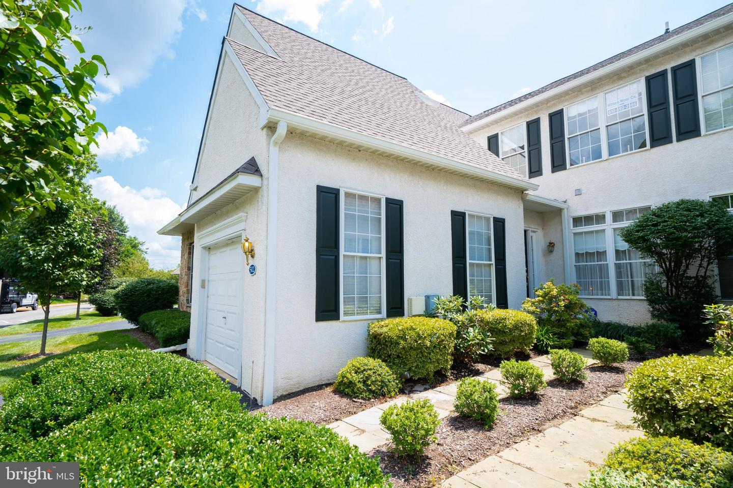 502 Whispering Brooke Drive Newtown Square, PA 19073
