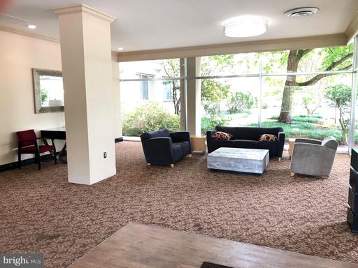 Photo of 6621 Wakefield Dr #208