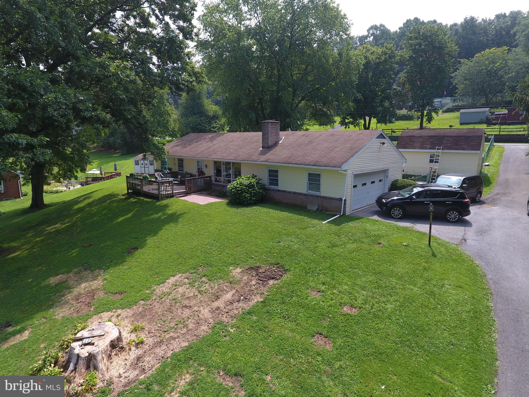 5229 OLD STRASBURG ROAD, KINZERS, PA 17535