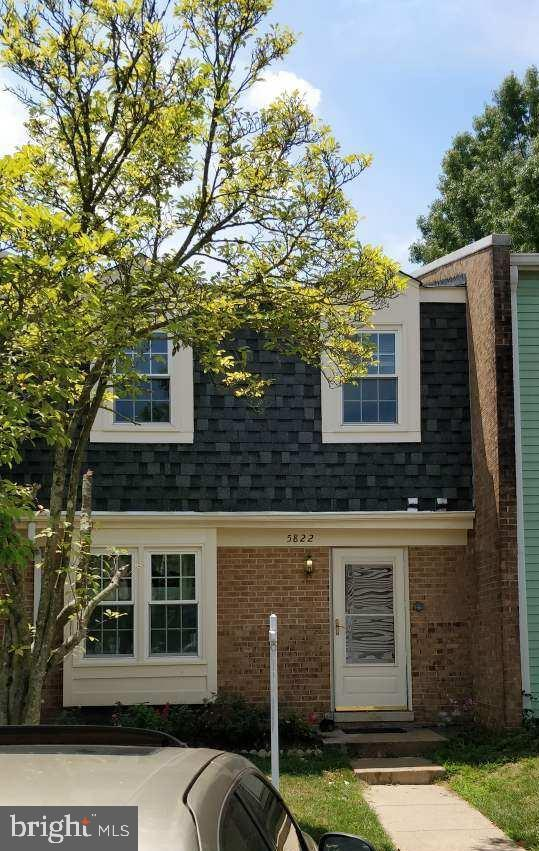Best LOCATION in Burke.  Beautiful 2 level townhouse.  Brand New Roof.  Newly painted Exterior & Interior, fenced backyard, storage shed.  Back to private area, Great Burke Schools,  near VRE, Walk to shops and more.  Special Financing Incentives available on this property from SIRVA Mortgage.