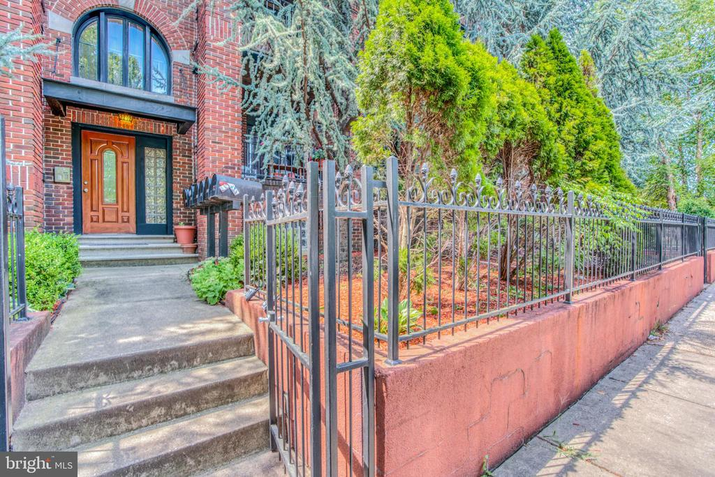 Fantastic condo nestled in Reservoir Hill near 83- 2 bedroom- 1 bath - with roof deck- wood floors- granite tops- tall ceilings- secure building- front patio off living room- laundry in unit- storage in basement- good credit- pets are allowed