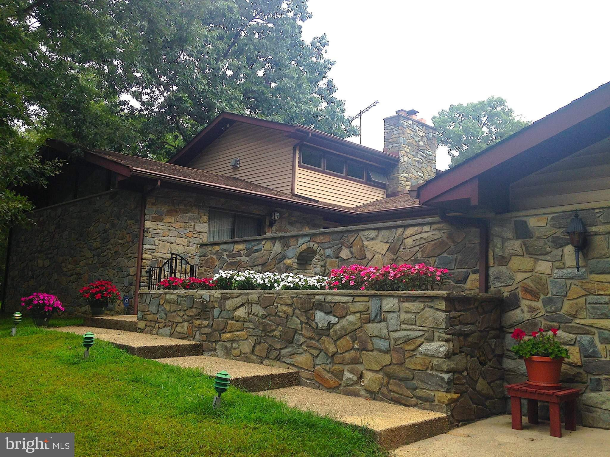 10900 NEW ENGLAND DRIVE, CLINTON, MD 20735