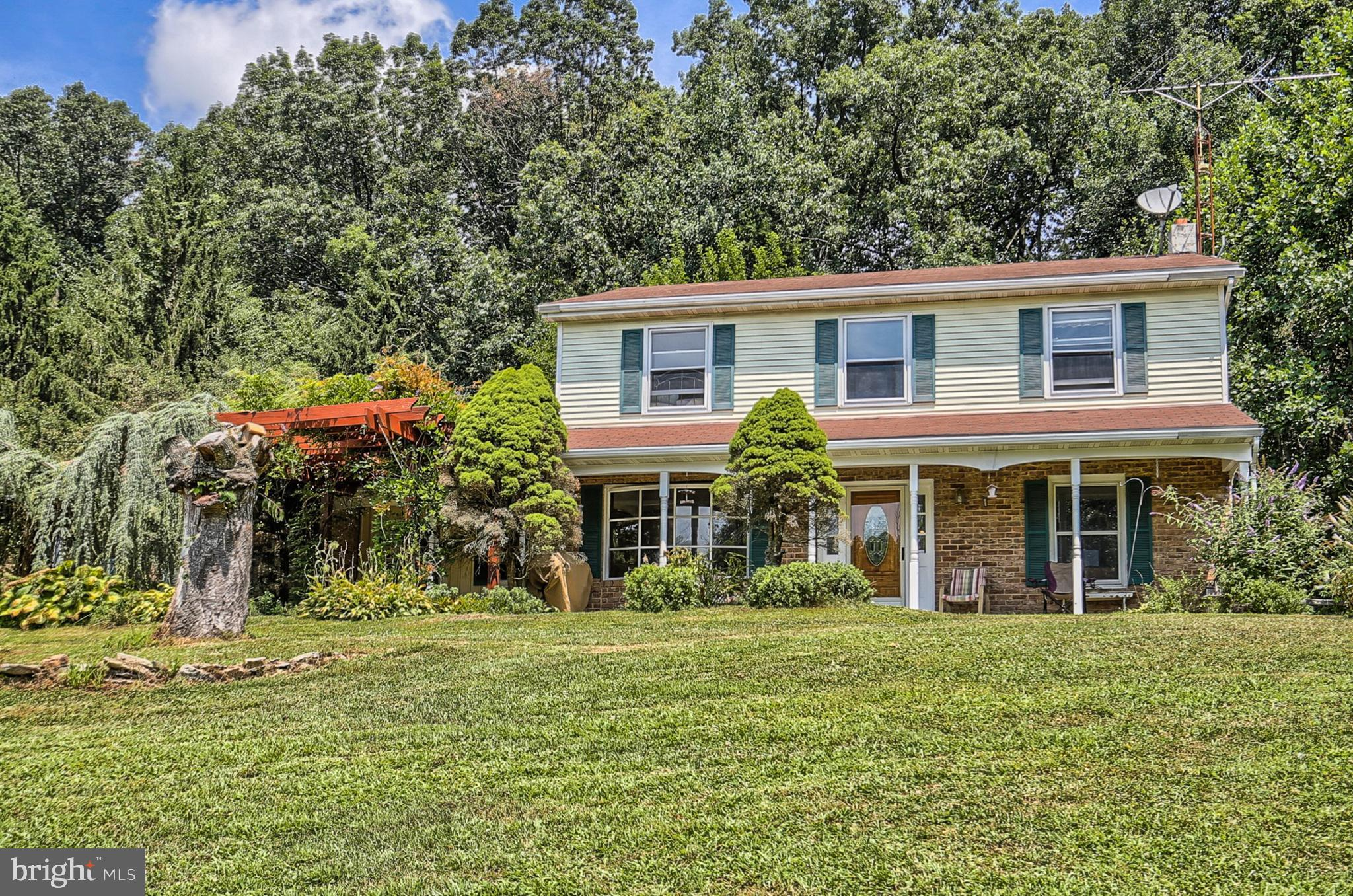 135 HOLLOW ROAD, YORK SPRINGS, PA 17372