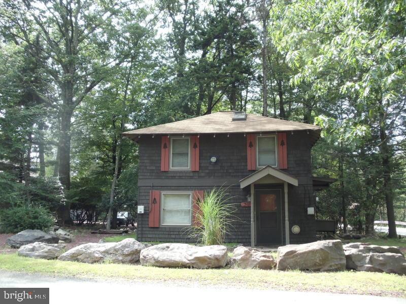 14 Spring Street, Lake Harmony, PA 18624