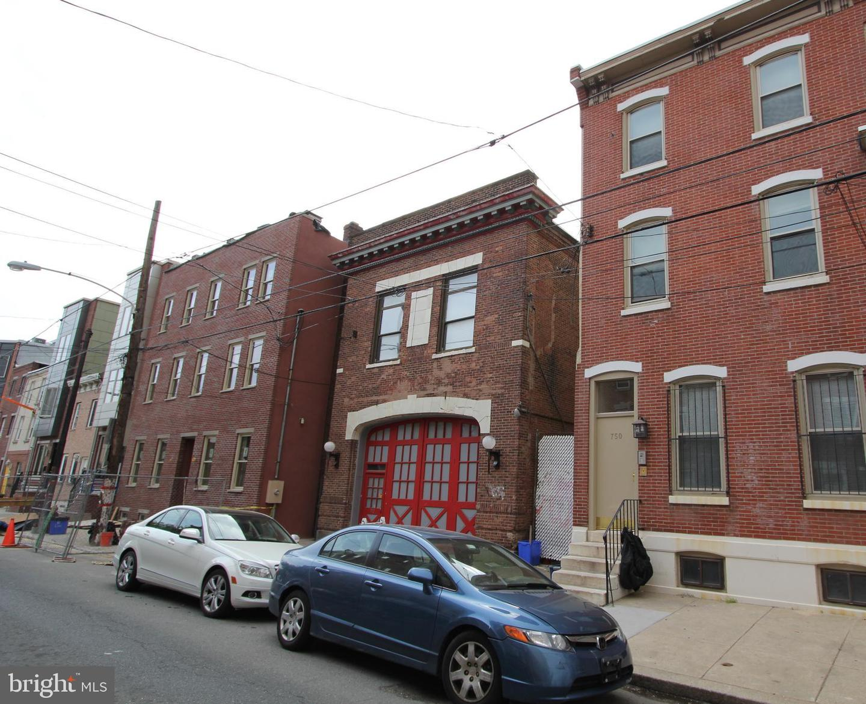 750 S 16th Street #1ST FLOOR Philadelphia, PA 19146