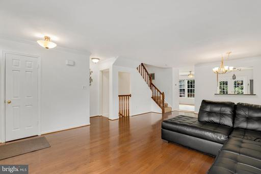 7251 Worsley Way, Alexandria, VA 22315