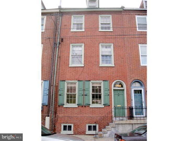834 S Front Street Philadelphia, PA 19147
