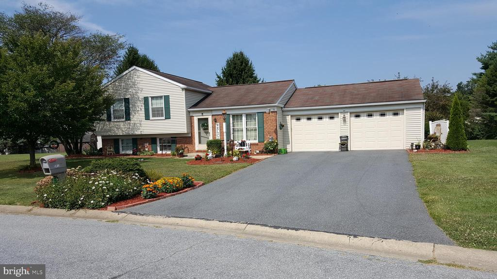 Attractive East Hempfield Split Level boasts 3 BRs, 1.5 BAs, huge yard, and 2-car oversized garage. The screened porch, covered patio, and family room are ideal for socializing and relaxing. It also features cool central A/C and a large shed (20' x 10'). The garage and screened porch have propane heaters, but currently no propane tank on site. LL half bath has space for a shower. Make sure to check out this home!