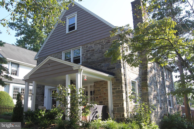 32 Henley Road Wynnewood, PA 19096