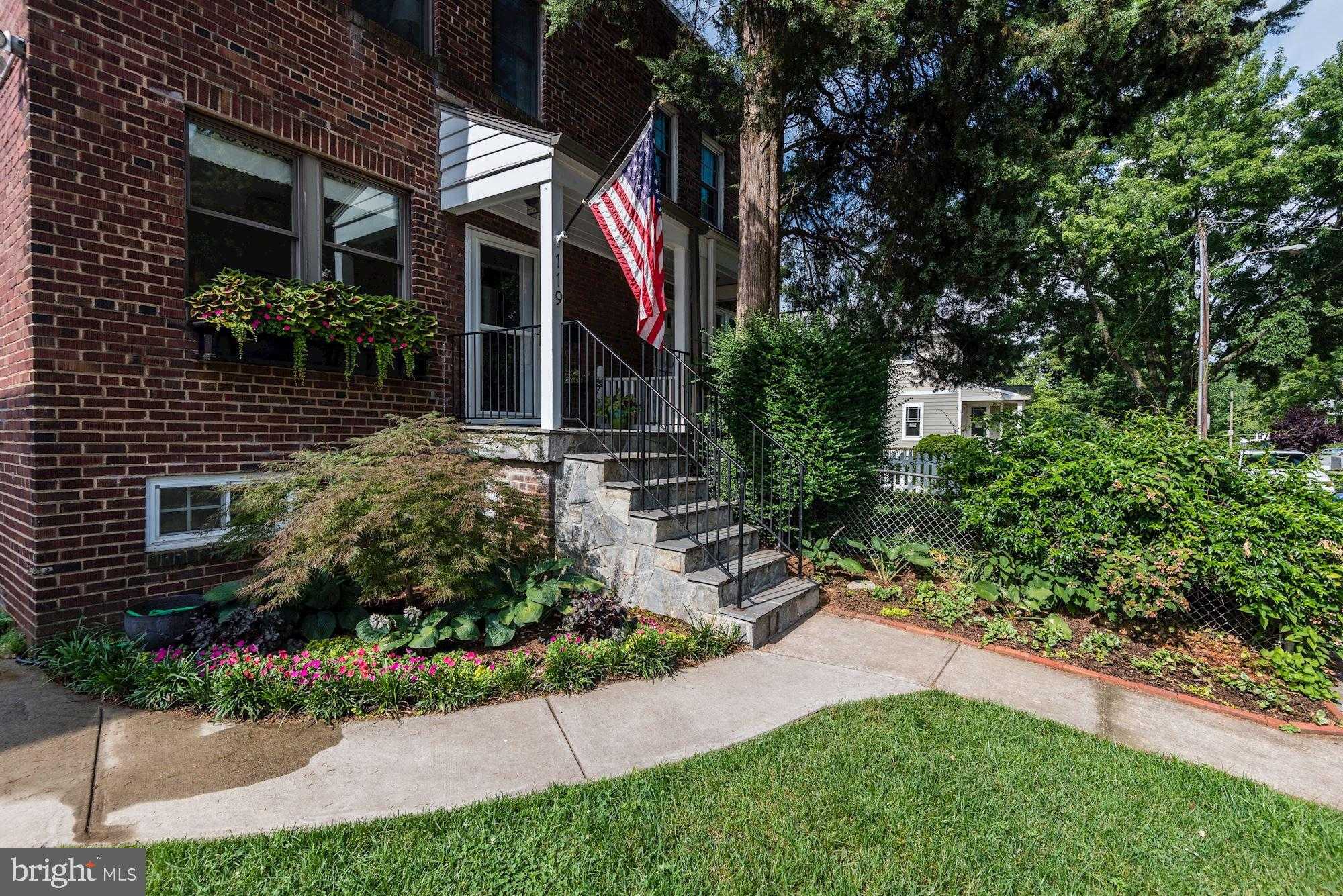 Fully renovated semi-detached townhouse in Rosemont Park only blocks to Braddock Metro! Approx 1800 sqft of living space on a large, fully fenced 3400+ sqft lot with driveway for 2 to 3 cars. Open floor plan drenched in light with breakfast room/family room bump out. Updated kitchen w/ island/breakfast bar. White shaker style cabinets, granite tops and stainless steel apps. Double pane windows, hardwood floors & recessed lighthing. Fully finished rec room w/ full bath, front loading washer/dryer, storage closet and storage room/workshop. Easy access to both Braddock & King Metro as well as the VRE Union Station. Only blocks to King St restaurants & shops. Offers, if any, due by noon 12pm on Tuesday the 13th of August.