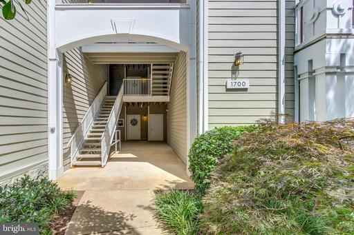 1700 Lake Shore Crest Dr #25, Reston 20190