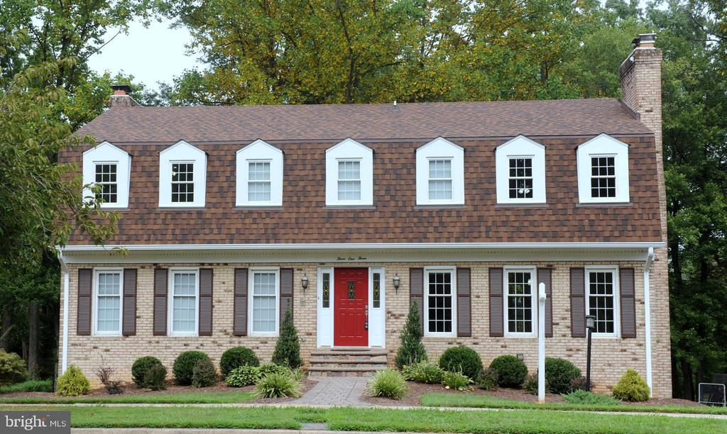 All Brick 5 Bedroom, 2 Full & 2 Half Bath Colonial in beautiful and Historic Vienna.  Voted Best Place to Live in VA (2019).  Large Rooms, 4 Fireplaces, 2 Car Garage, Finished Walk-Out Basement, Backs to Golf Course, Walk to Everything.  Working Kitchen with room to be remodeled into your dream Kitchen - house priced accordingly.  See Brochure for the many Upgrades and Special Features of this lovely home.