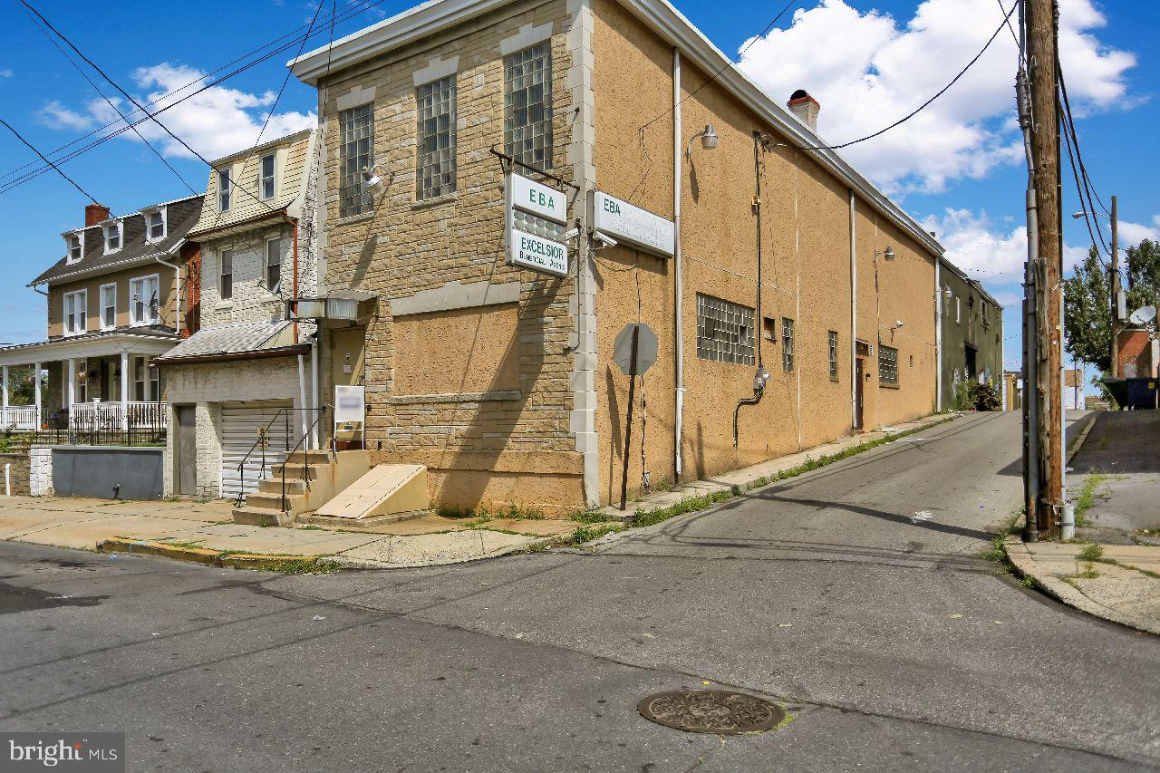 931 DOUGLASS STREET, READING, PA 19604