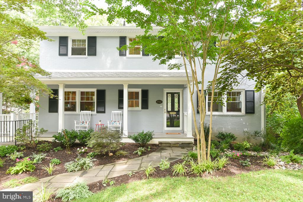 8512 Freyman Dr, Chevy Chase, MD 20815