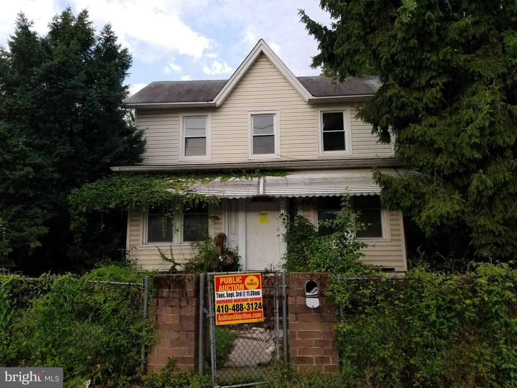 PUBLIC ONSITE AUCTION: Tues, Sept 3rd, 2019 @ 11:30 AM. List Price is Suggested Opening Bid. 2 Story single family home with partially finished basement located in the Wilson Park area. Property is occupied. 10% Buyer's Premium or $1,000, whichever is greater. Deposit $2,500. For full Terms and Conditions contact auctioneer's office.