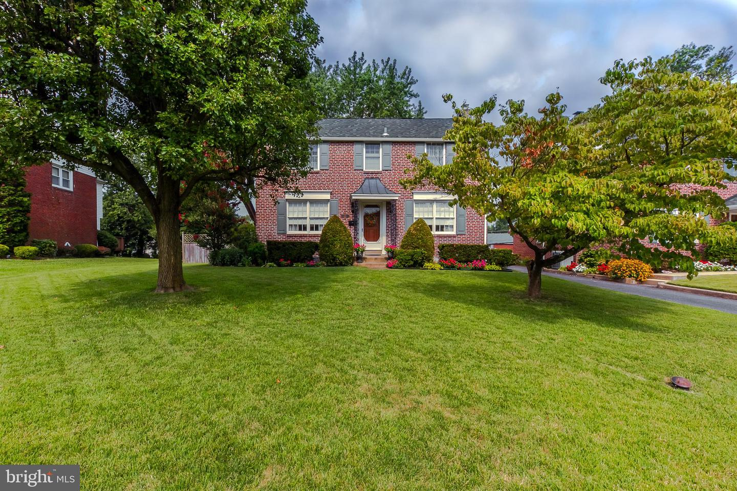216 Colonial Park Drive Springfield, PA 19064