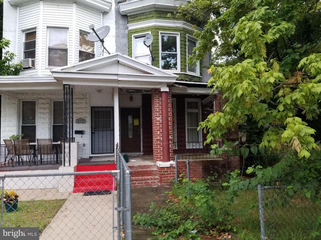 PUBLIC ONSITE AUCTION: Tues, Sept 3rd, 2019 @ 12:15 PM. List Price is Suggested Opening Bid. 2 Story porch front townhome with partially finished basement located in the Pen Lucy area. Property is occupied. 10% Buyer's Premium or $1,000, whichever is greater. Deposit $5,000. For full Terms and Conditions contact auctioneer's office.