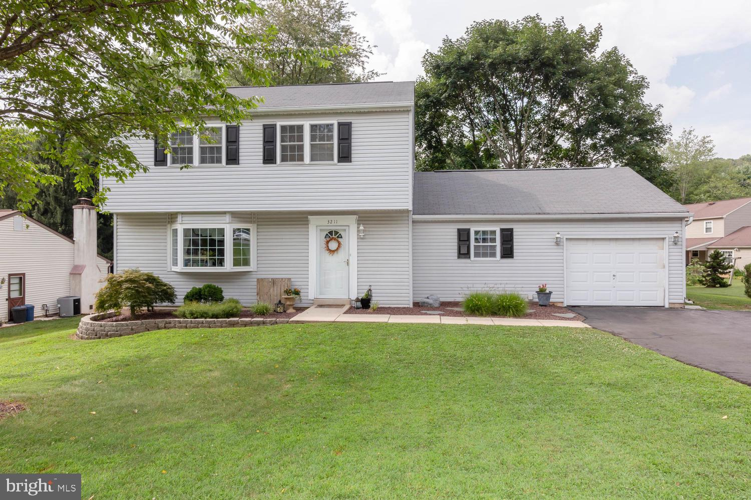 3211 NORMA DRIVE, THORNDALE, PA 19372