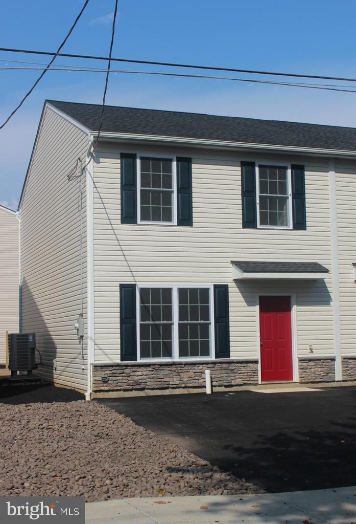 217 N FENWICK STREET, ALLENTOWN, PA 18109