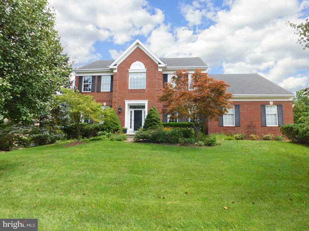 10 BRIDLE PATH, HOLLAND, PA 18966