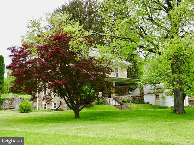 3056 PRICETOWN ROAD, TEMPLE, PA 19560
