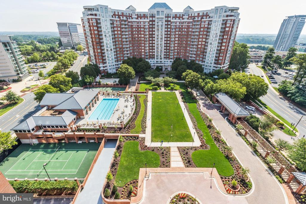 5809 NICHOLSON LANE, ROCKVILLE, MONTGOMERY Maryland 20852, 2 Bedrooms Bedrooms, ,2 BathroomsBathrooms,Residential,For Sale,NICHOLSON,16,MDMC673444
